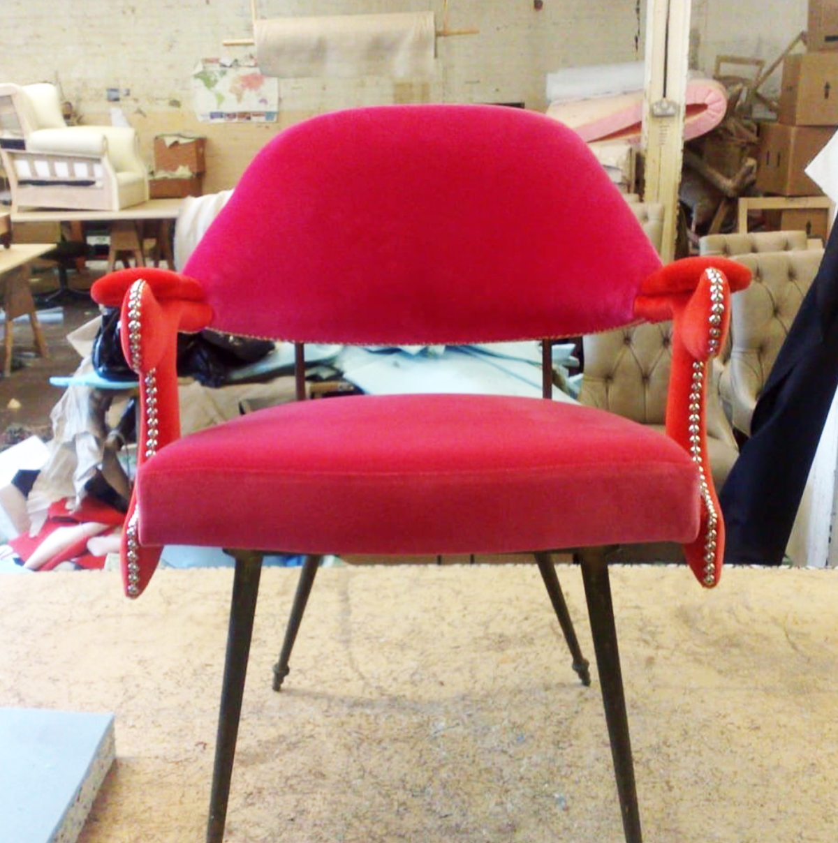 rock-pink-chair